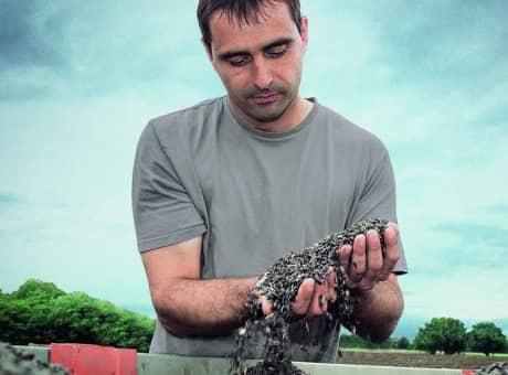 Créateurs de semences, nous travaillons au plus près de la vie